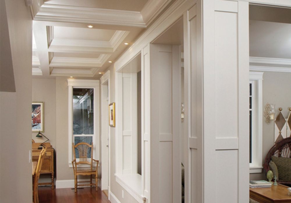 what columns between rooms in a home