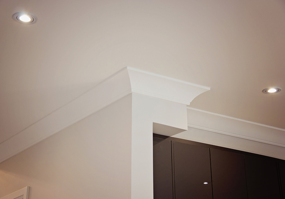 white moulding in a neutral coloured room